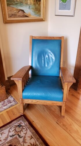 Picture of aniline leather chair after turquoise RubnRestore