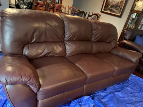 Picture of leather couch like new after Rub n Restore