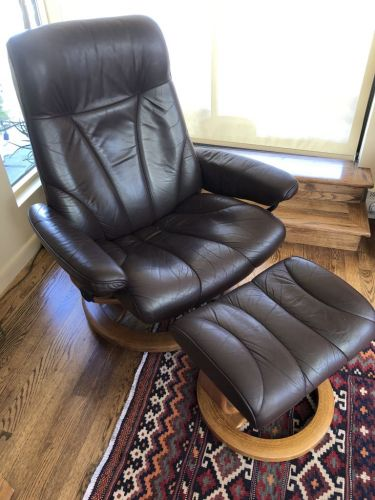 Picture of Ekornes leather chair and foot stool after refinishing with Mahogany Rub n Restore leather paint
