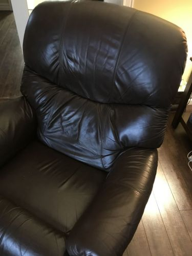 Picture of brown leather recliner after Mahogany