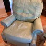 Picture of alligator skin leather chair after Rub n Restore