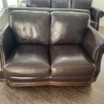 Picture of leather loveseat like new after Rub n Restore