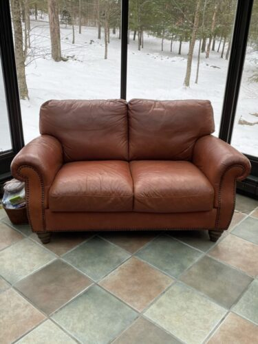 Picture of leather loveseat restored with RubnRestore Rust modified with a little Red Chili